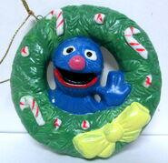 Newcor 1988 christmas ornament wreath grover 2