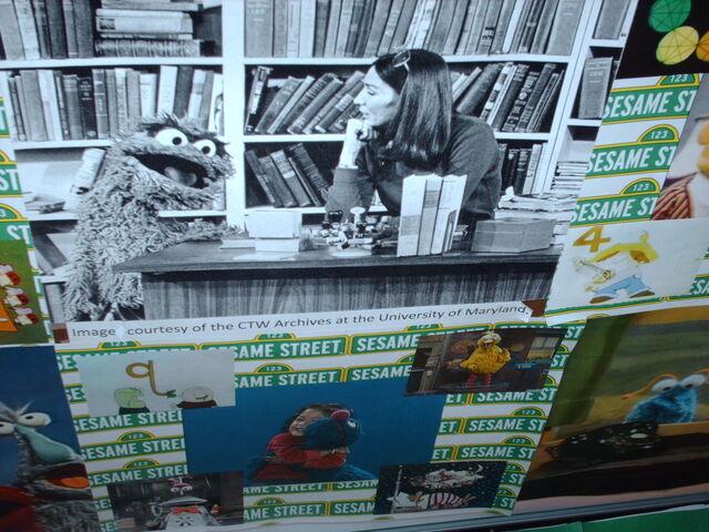 File:Oscar, books, and lady.jpg