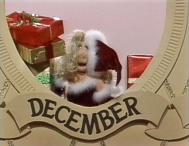 File:TFMPS-December-SantaPiggy.jpg