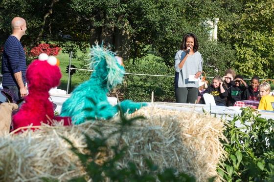 File:Michelle Obama Garden.jpg
