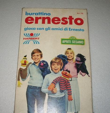 File:Sesame Street puppets (Harbert) ernie-box 1.png