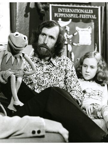 File:Center for Puppetry Arts - Opening 1978 - Kermit, Jim & Heather Henson.jpg