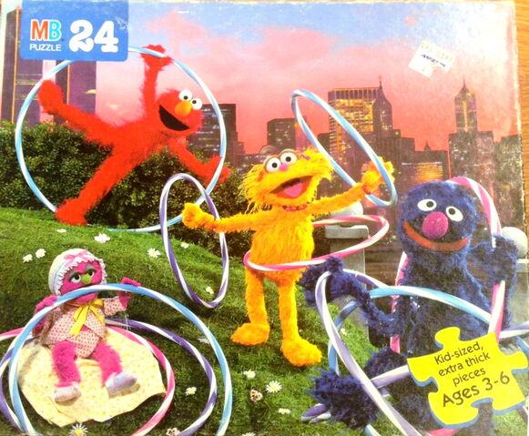 File:Milton bradley 1996 puzzle hula hoops.jpg
