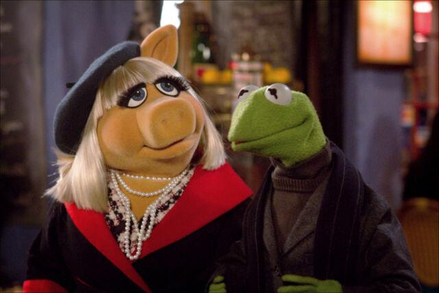 File:Themuppets2011still kerpiggy.jpg