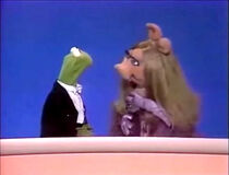 Kermitpiggy.bobhope75promo