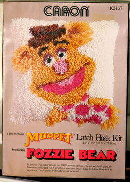 Caron latch hook kit fozzie bear