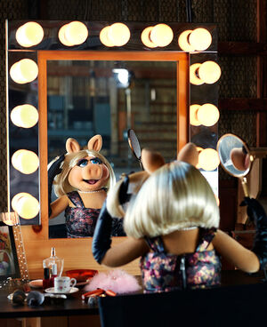 Miss-Piggy-Kermit-the-Frog-by-Dominick-Guillemot fy5