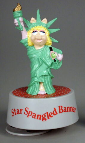 File:Presents hamilton gifts 1990 miss piggy star spangled banner statue of liberty music box.jpg