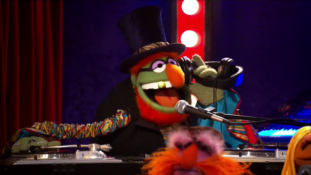 File:TheMuppets-S01E05-DrTeeth.png