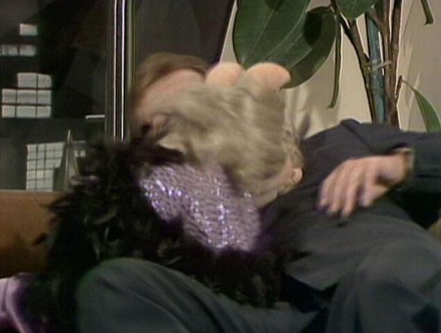 File:Kiss piggy roger moore.jpg