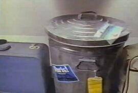Around the world suitcase oscar
