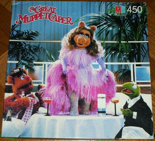 File:Milton bradley 1981 great muppet caper puzzle dubonnet club.jpg