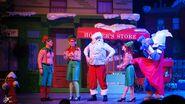 Universal studios singapore 2014 sesame street saves christmas 5