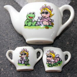Enesco 1983 muppet babies tea set 3