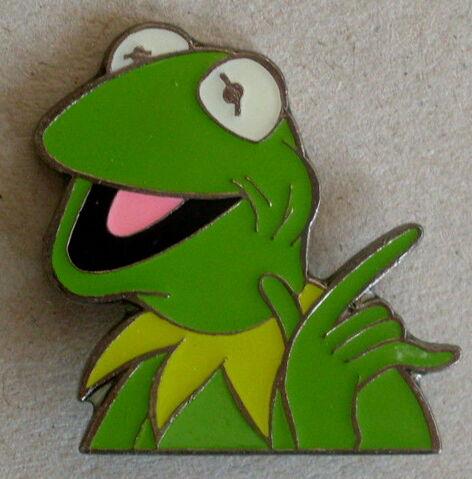 File:Sesam kermit pin.jpg