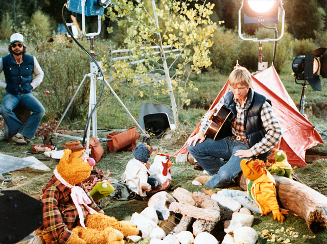 File:RockyMountainHoliday-BehindTheScenes02.png