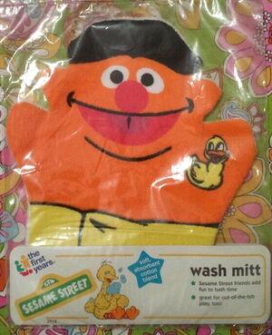 Ernie wash mitt