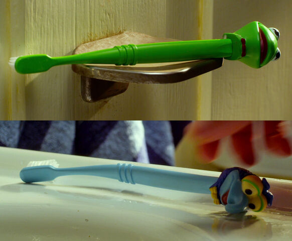 File:Gary and Walter's toothbrushes.jpg