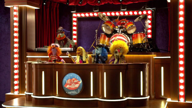 File:Up Late with Miss Piggy - band.jpg