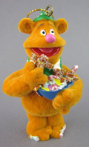 File:Disney store fozzie bear christmas storybook ornament.jpg