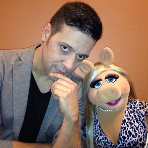 File:George Stroumboulopoulos and Piggy March 2014.jpg