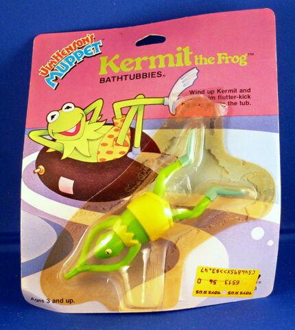 File:Tomy 1983 bathtubbies wind-up toy kermit.jpg