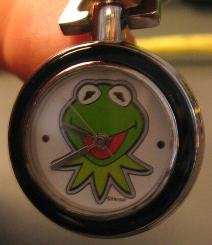 File:Applause kermit collection doll and clip-on watch 2.jpg