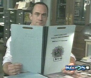 File:Christophermeloni-svu.jpg