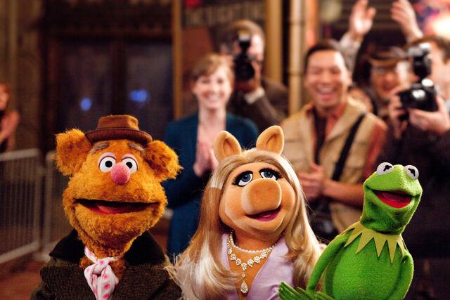 File:Kermit, Piggy, Fozzie.jpg