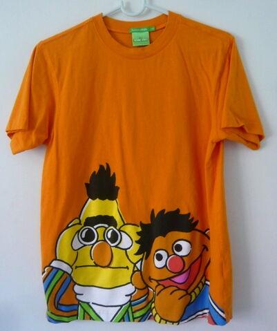 File:B 2009 t-shirt eb.jpg