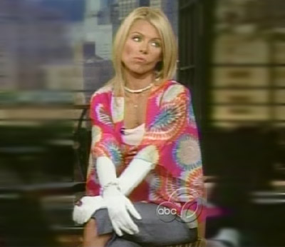 File:KellyRipa-PiggyGloves.jpg