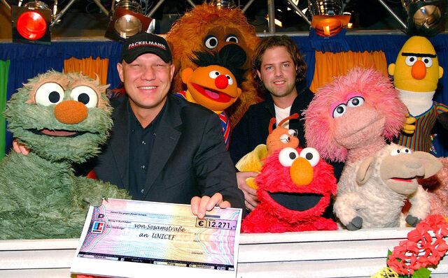 File:Sesamstrasse-30Years-Elmo-(2003-01-22).jpg