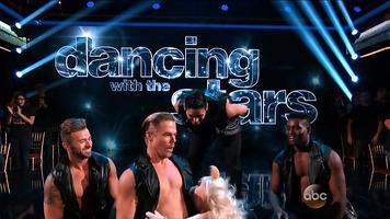 DancingWithTheStars-PiggyKissingDerekHough-(2015-09-28)