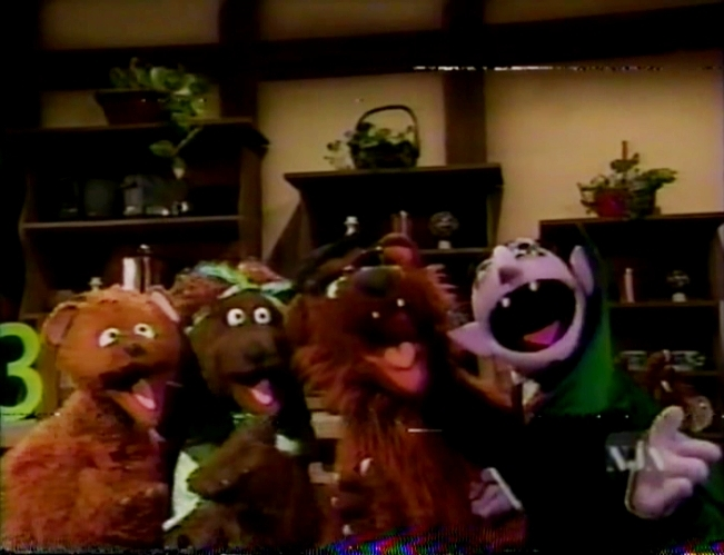 Fletcher Bird together with Muppet busts besides Elmo 27s World  Dancing  2017 in addition Super Grover 02 moreover Hollywood Squares. on oscar sesame street christmas