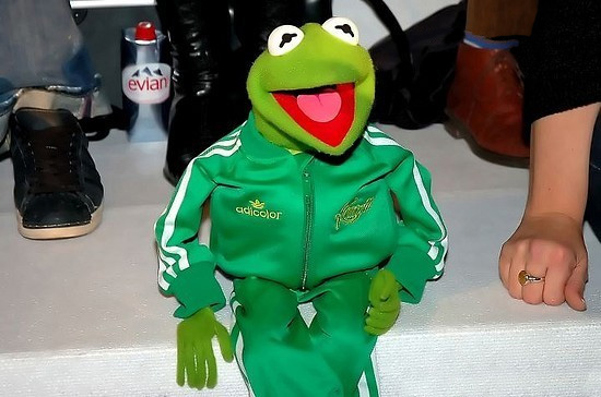 File:Adidas-BerlinFashionWeek-Kermit-01-(2006-01-29).jpg