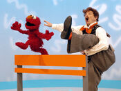 Elmo'sWorld-NoodleHurdles