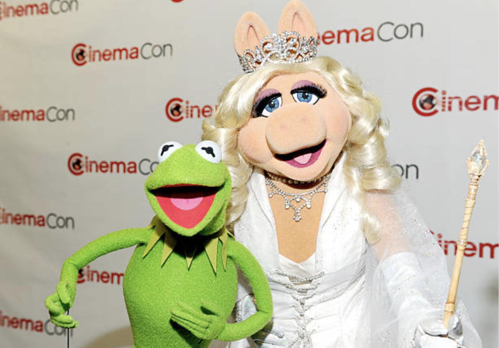 File:KermitPiggyCinemaCon2012.jpg