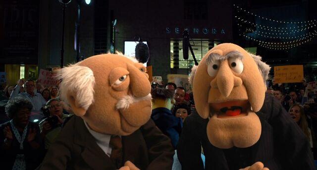 File:Muppets2011Trailer02-67.jpg