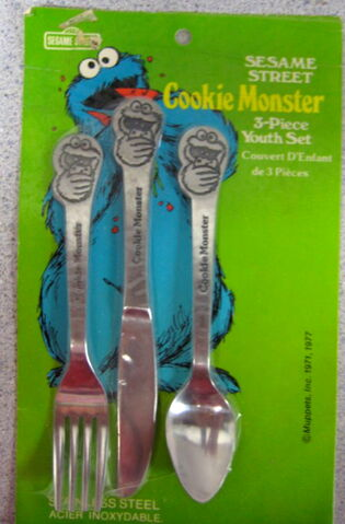 File:Demand marketing 1977 cookie monster utensils.jpg