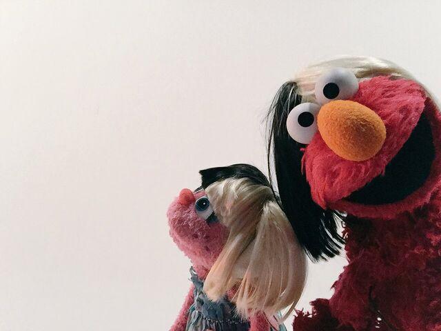 File:Sia-ElmoAbby.jpg
