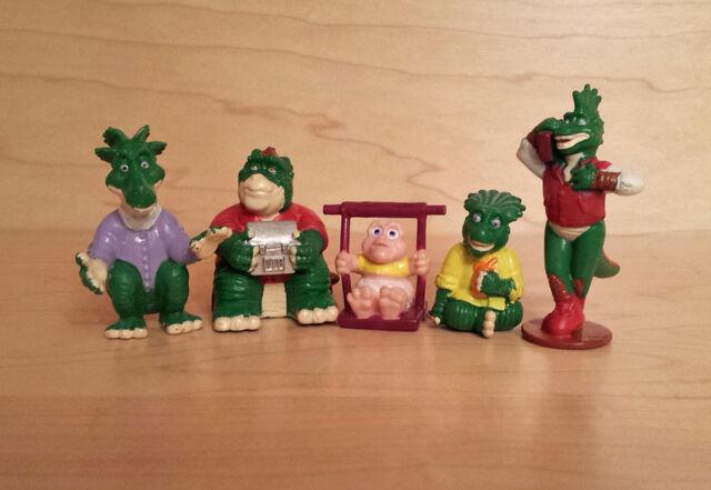File:Subway Dinosaurs group.jpg