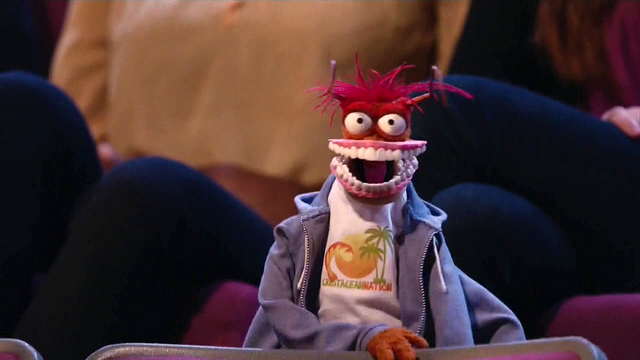 File:TheMuppets-S01E04-PepeWithStatler'sTeeth.png