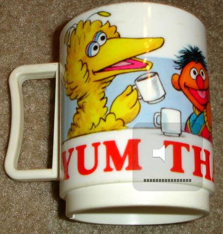File:Peter pan industries yum thats good cup 1.jpg