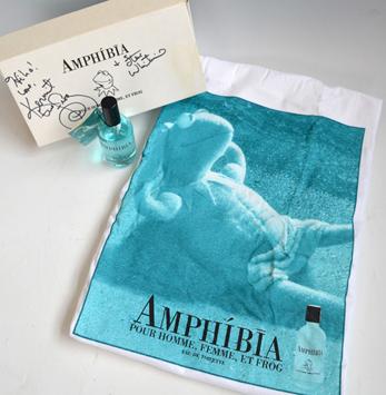 File:Bloomingdales Amphibia.jpg