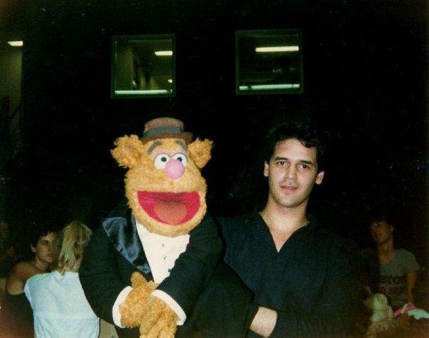 File:GabrielVelez-MuppetsTakeMahattan-BTS.jpg