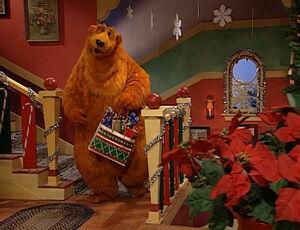 bearxmas2 05jpg - Bear Inthe Big Blue House Christmas