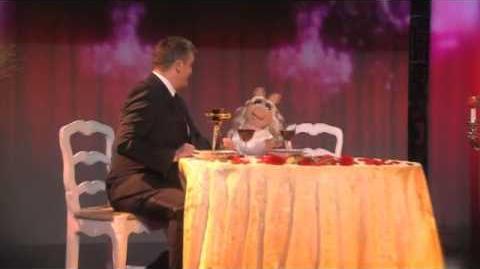 GOLDENE KAMERA 2012 Duett Hape Kerkeling und Miss Piggy