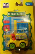 Kid dimension 1994 die-cast elmo's fun bus 1