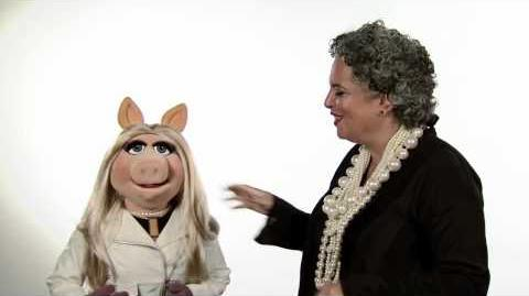 Miss Piggy and Leeora Catalan from Noir Jewelry chat about Fashion
