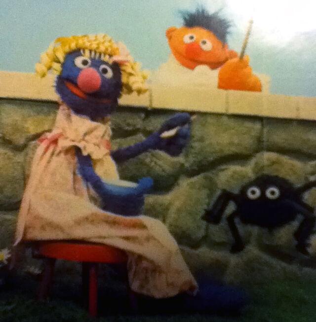 File:Grover in drag.JPG